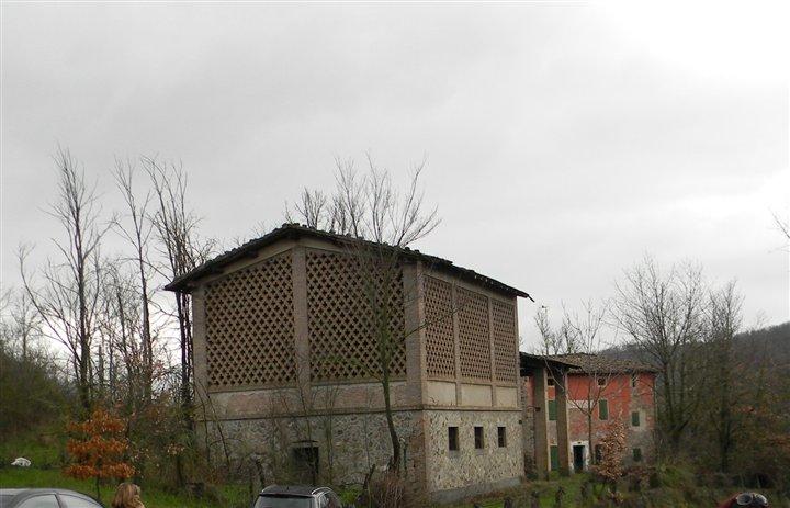 Rustico casale, Castagneto, Pavullo Nel Frignano, da ristrutturare