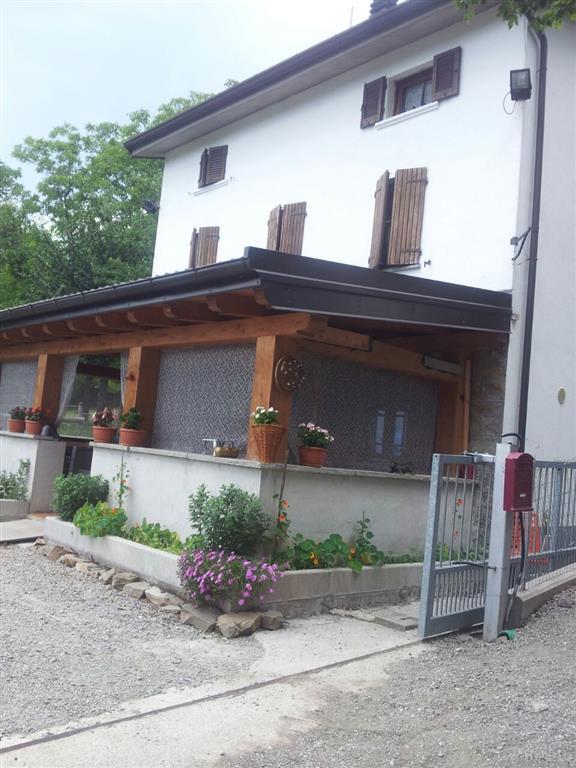 Vendita casa singola frassinoro in ottime condizioni for Registro casa piani in vendita