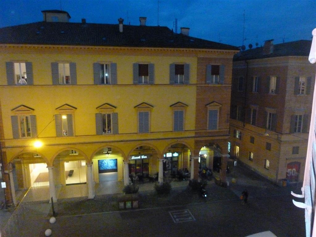 Affitto ufficio centro storico modena secondo piano for Affitto ufficio centro storico