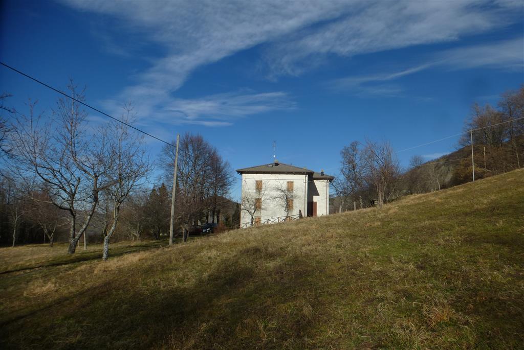 Rustico casale, Boccassuolo, Palagano, abitabile