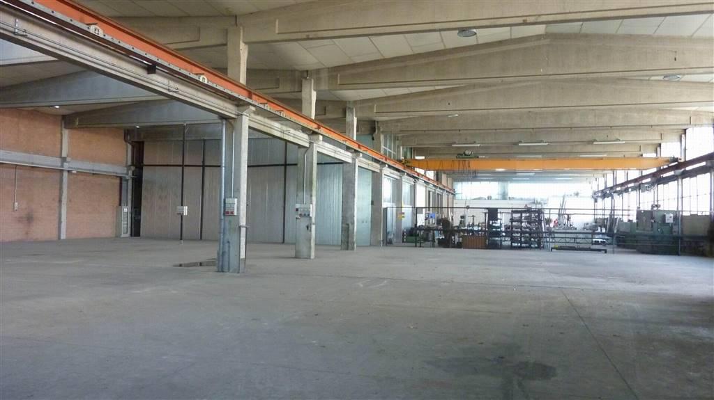 Capannone industriale, Torrazzi, Modena, in ottime condizioni