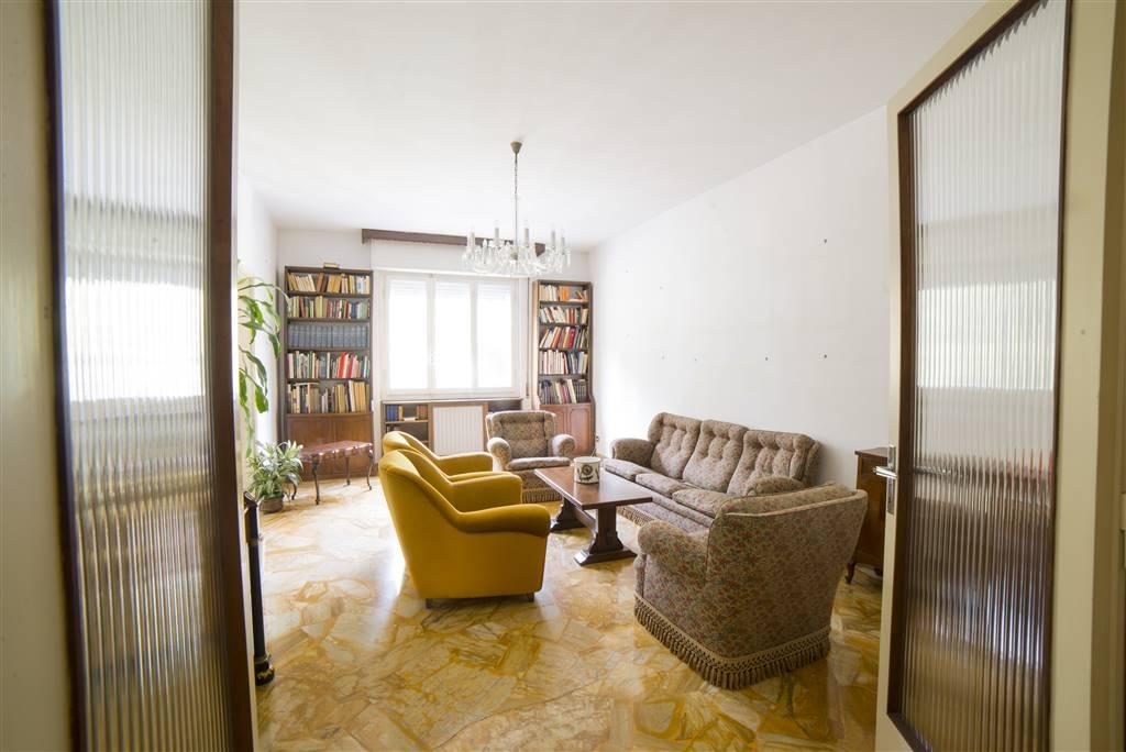 Appartamento, Piazza Leopoldo, Vittorio Emanuele, Firenze, da ristrutturare