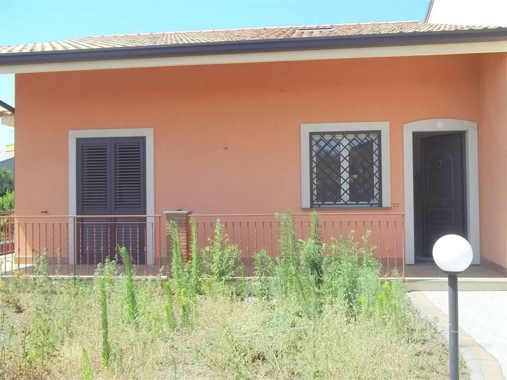 Villa, Aci Sant'antonio