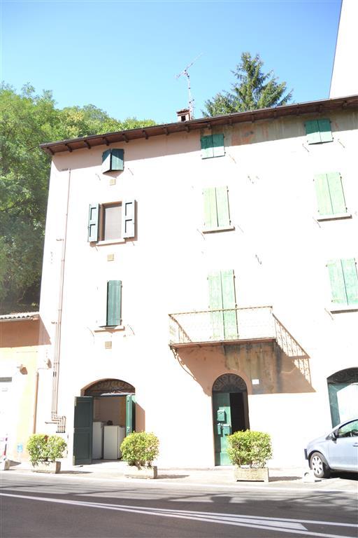 Appartamento in vendita a Porretta Terme, 6 locali, prezzo € 170.000   CambioCasa.it