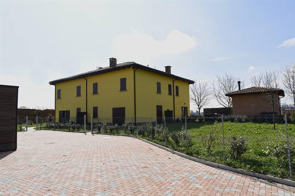 Villa in vendita a Castel Maggiore, 6 locali, prezzo € 470.000   CambioCasa.it