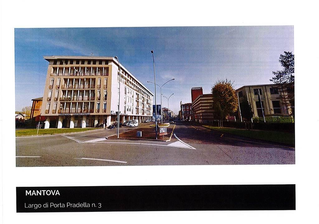 Negozio / Locale in affitto a Mantova, 1 locali, zona Zona: Centro storico, Trattative riservate | CambioCasa.it