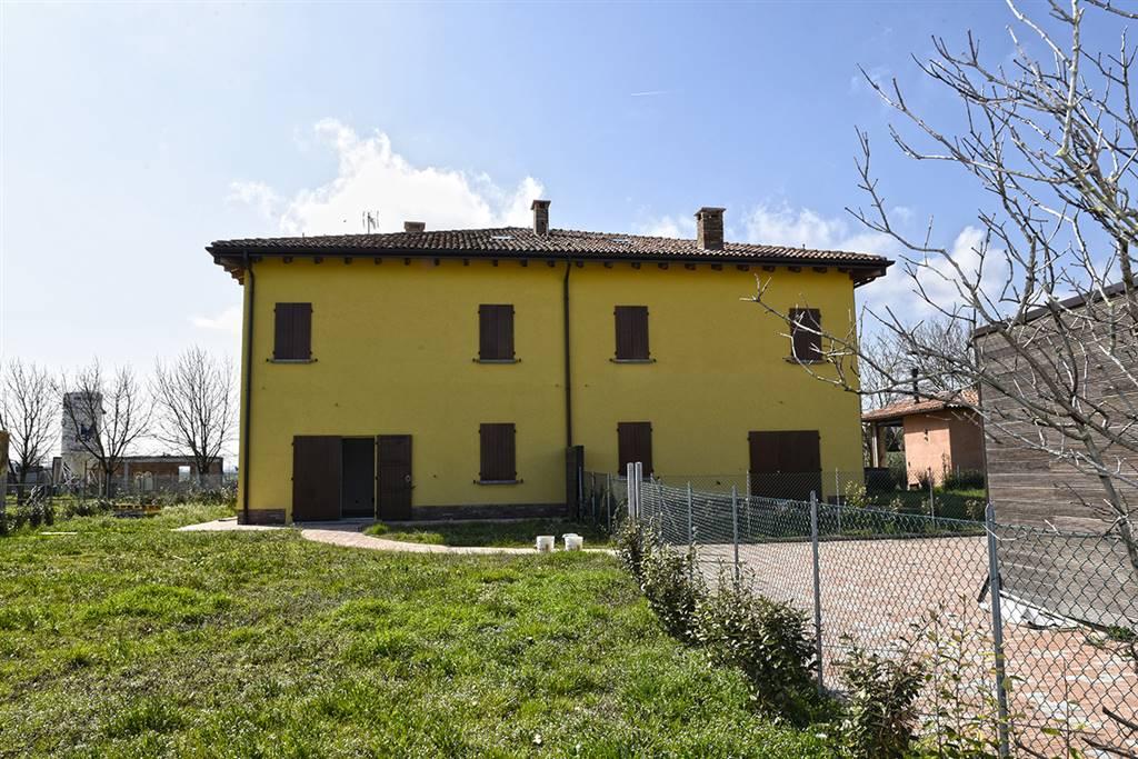 Villa in vendita a Castel Maggiore, 5 locali, zona Località: CASTEL MAGGIORE, prezzo € 430.000   CambioCasa.it