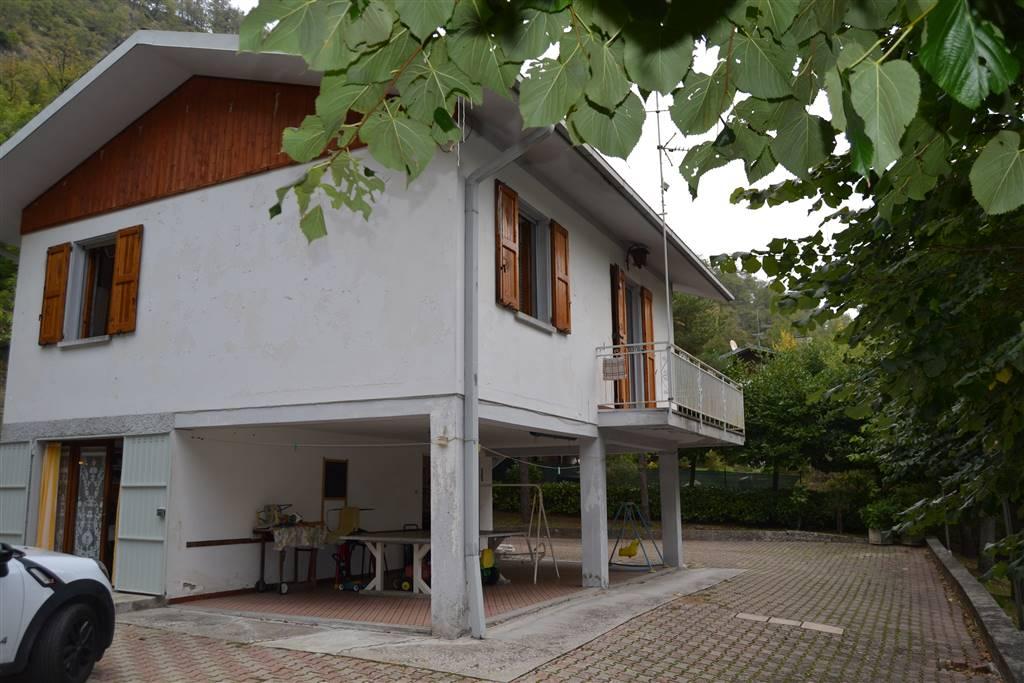 Soluzione Indipendente in affitto a Grizzana Morandi, 7 locali, zona Zona: Monteacuto Ragazza, prezzo € 500 | CambioCasa.it