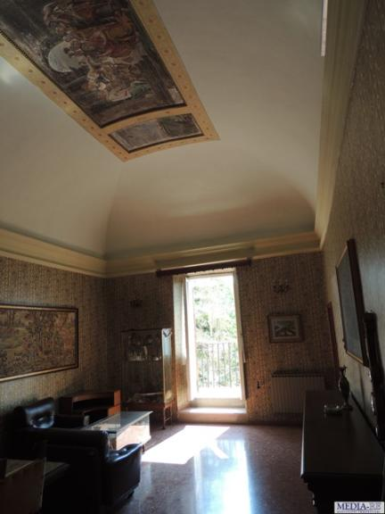 Palazzo, Collescipoli, Terni, da ristrutturare
