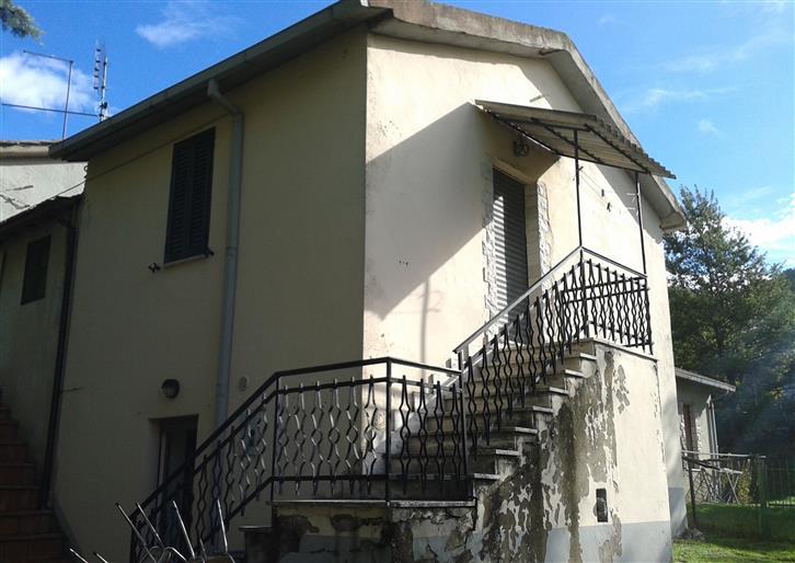 Casa semi indipendente, Stroncone, abitabile