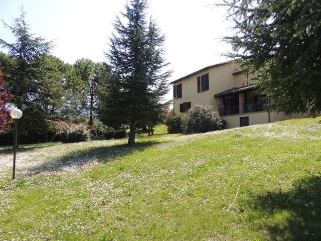 Casa singola, Semiperiferia Periferia, Terni, ristrutturata