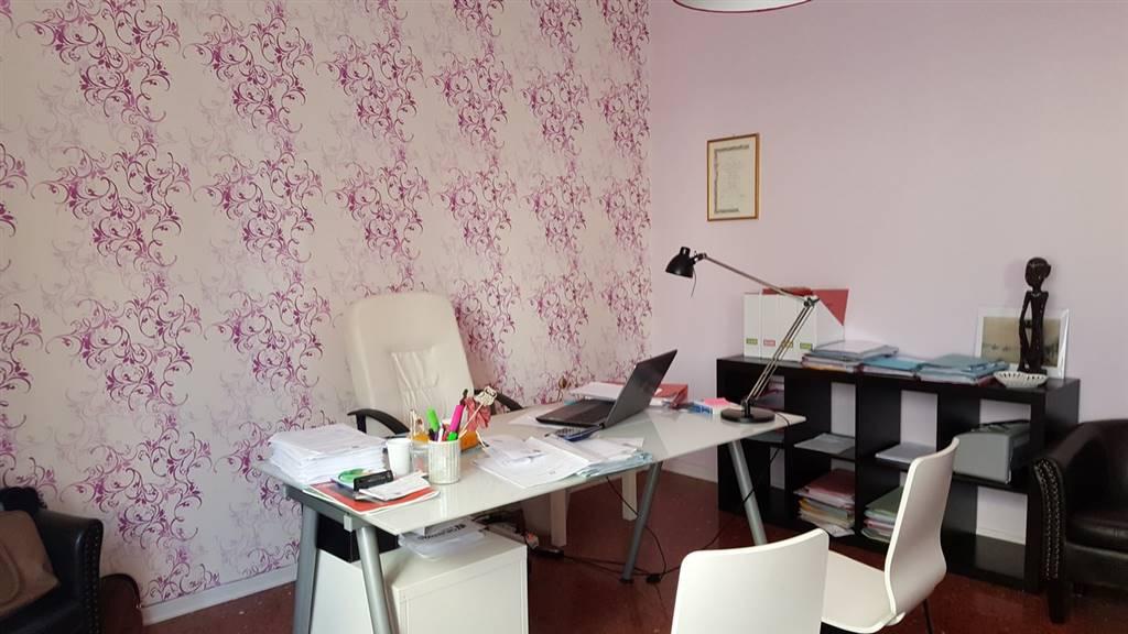 Ufficio, Semicentro, Viterbo, in ottime condizioni