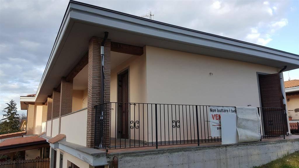 Villa a schiera, Semicentro, Viterbo, in nuova costruzione