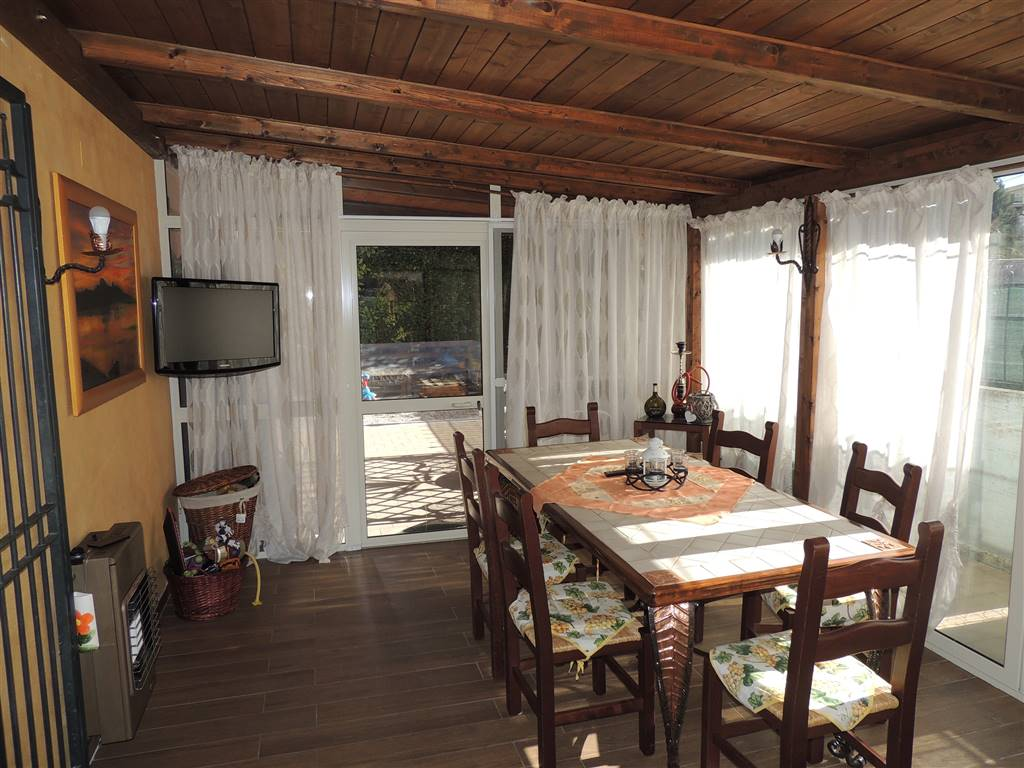 Appartamento in Via Tre Venezie, Semiperiferia Periferia, Terni