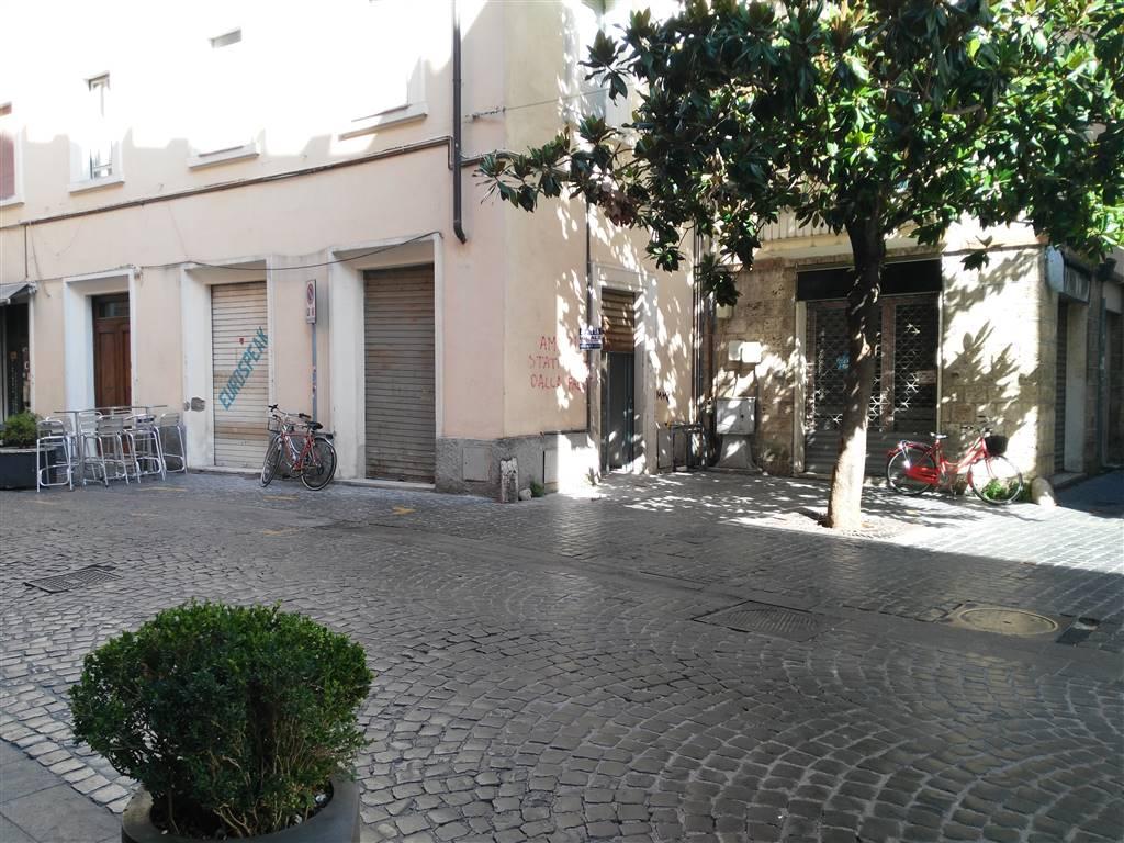 Negozio in Via Fratini, Centro, Terni