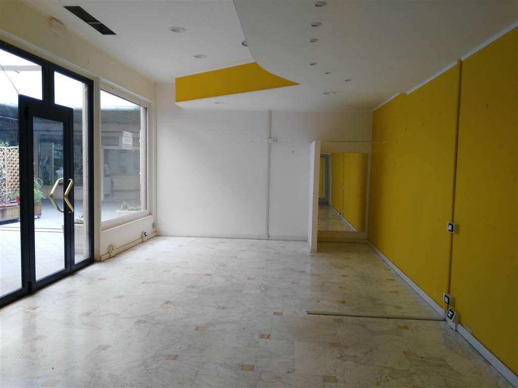 Vendita negozio via del rivo 206 rivo terni piano for Creatore del piano terra del negozio