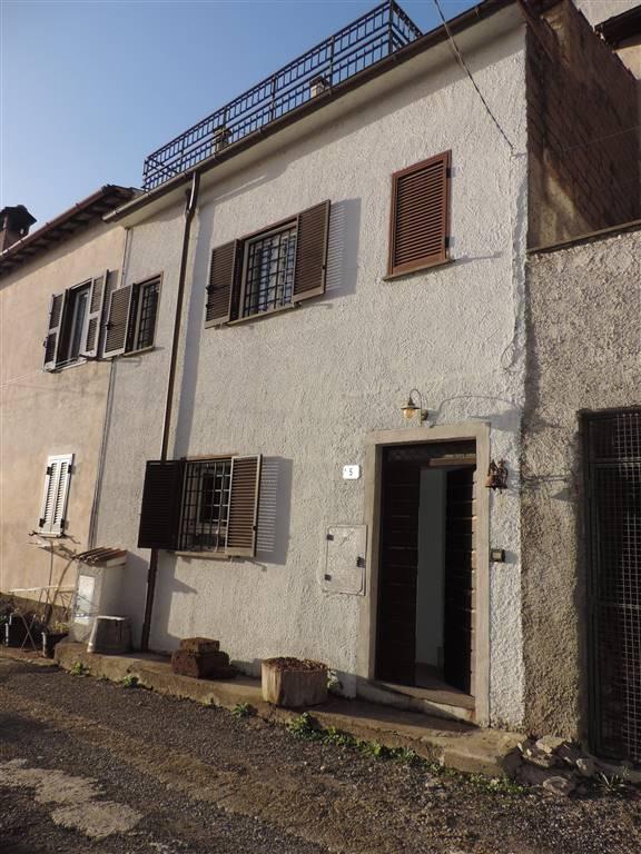 Casa singola, Tre Croci, Vetralla, in ottime condizioni