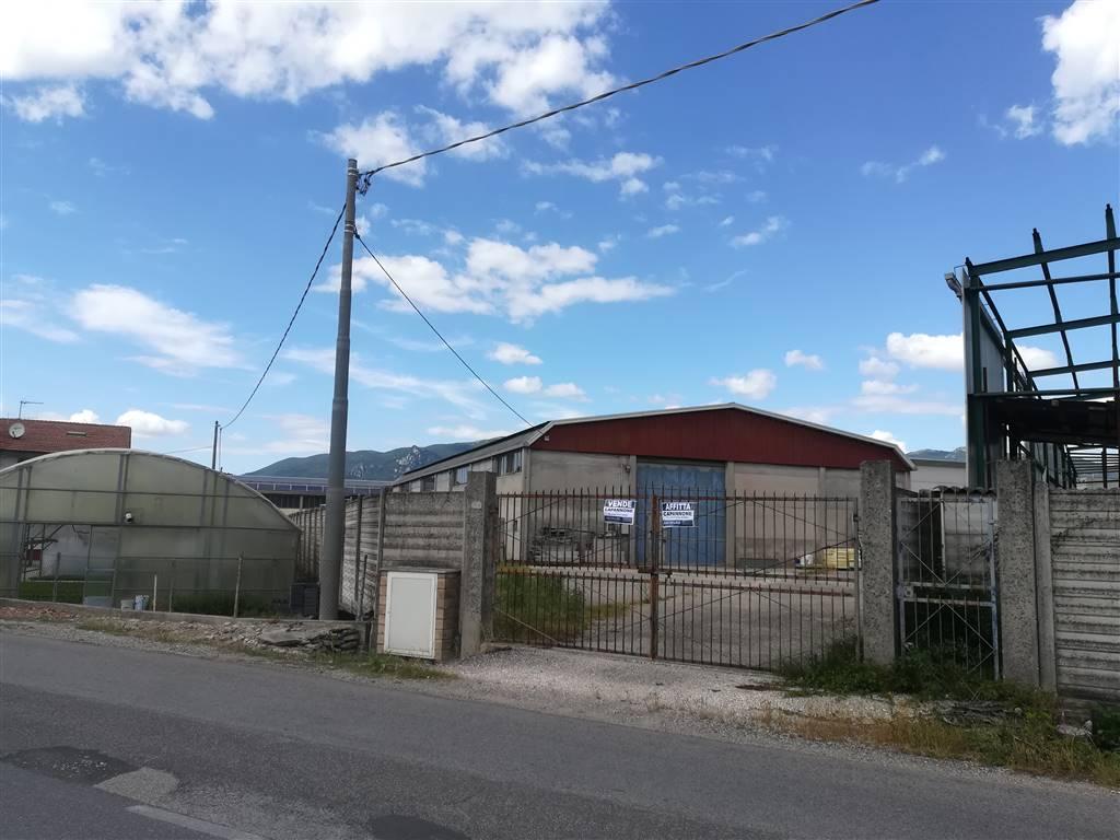 Capannone industriale in Strada Dei Confini, Semiperiferia Periferia, Terni