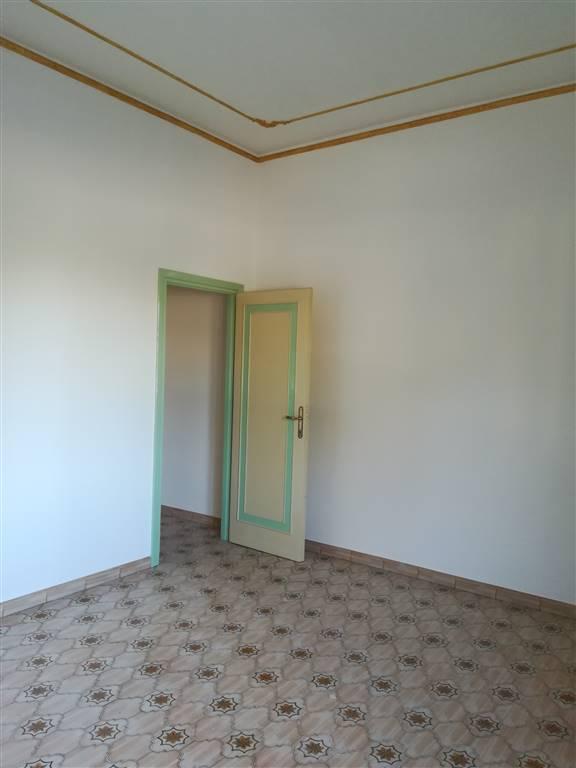 Appartamento in Via Palestro ., Semicentro, Terni