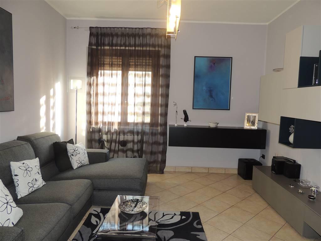 Appartamento in Via Farini ., Semicentro, Terni