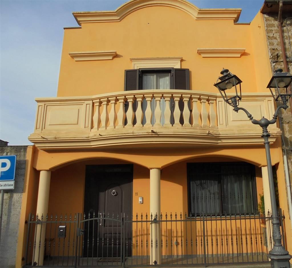 Appartamento indipendente, Arlena Di Castro, in ottime condizioni