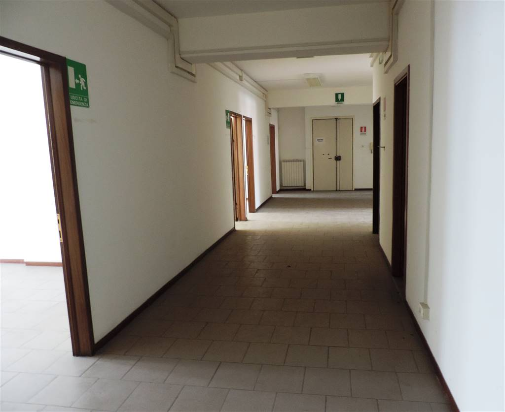 Uffici viterbo in vendita e in affitto cerco ufficio for Affitti uso ufficio