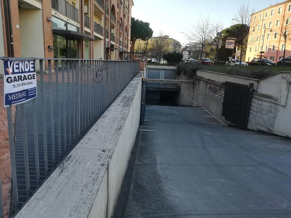Garage / Posto auto in Via Gramsci, Semicentro, Terni