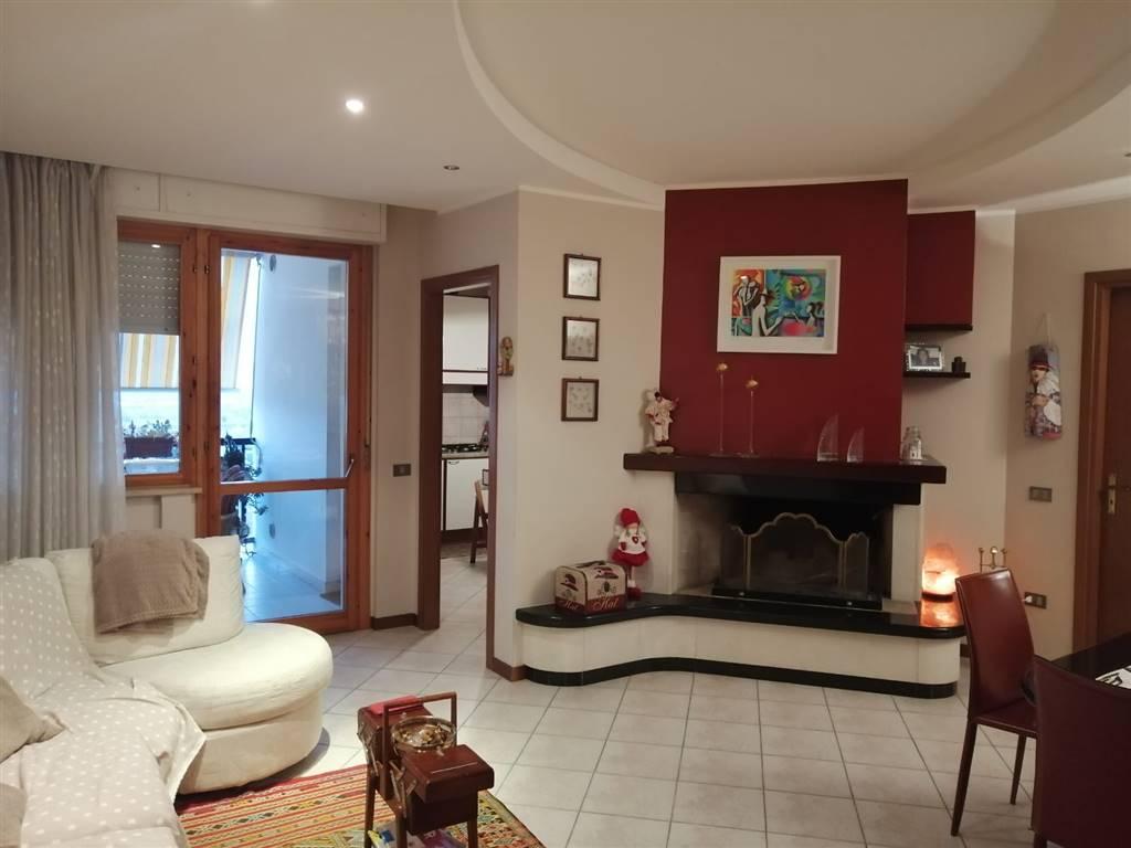 Angolo Lavanderia Terrazzo : Appartamento in vendita a terni zona gabelletta rif. as.pol120