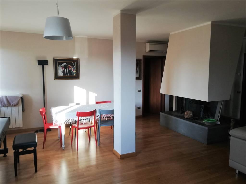 Appartamento indipendente, Semicentro, Terni, in ottime condizioni