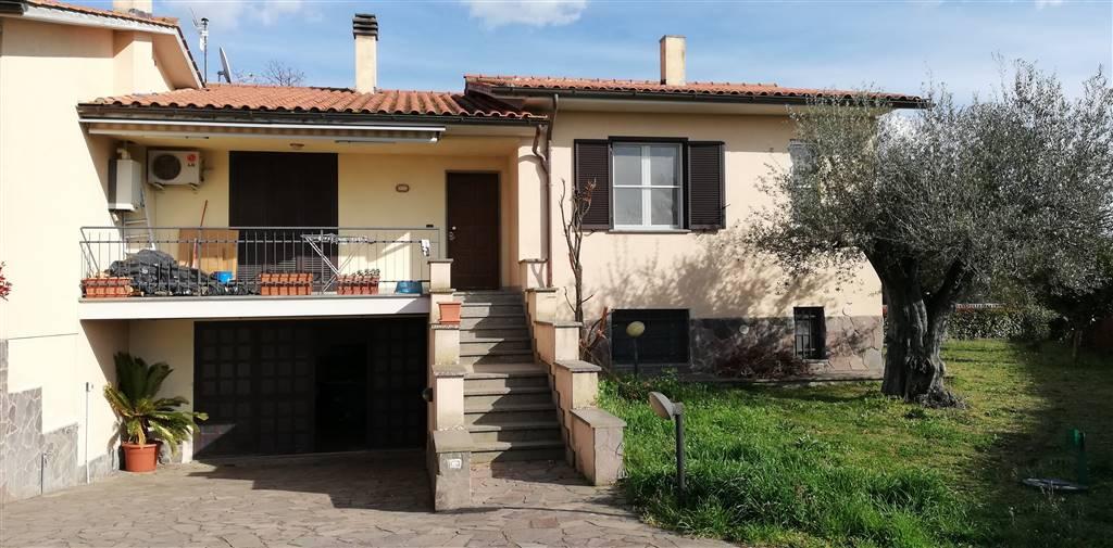 Villa a schiera, Tuscania, seminuova