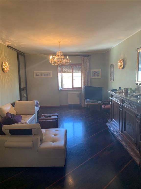 appartamento indipendente tuscania vende