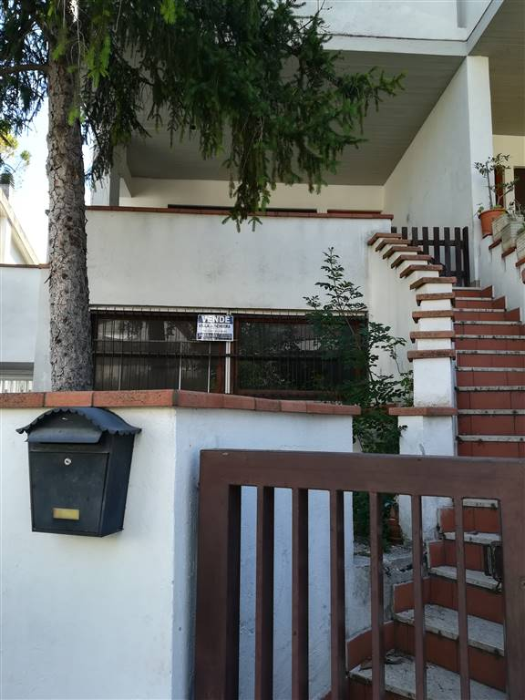 Appartamento in Via Galeno Di Pergamo 73, Valenza, Terni