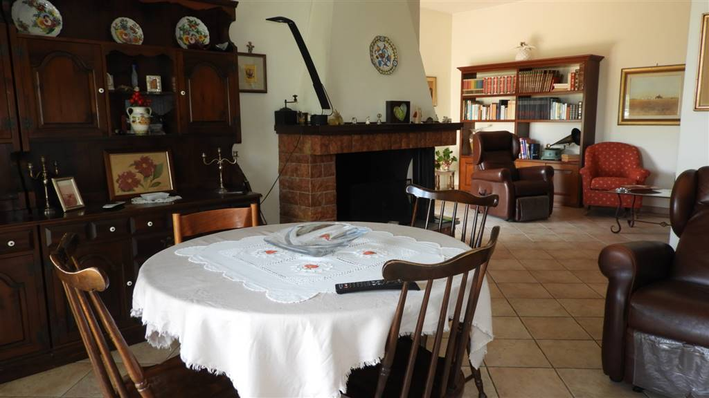 Appartamento, Tarquinia, seminuovo
