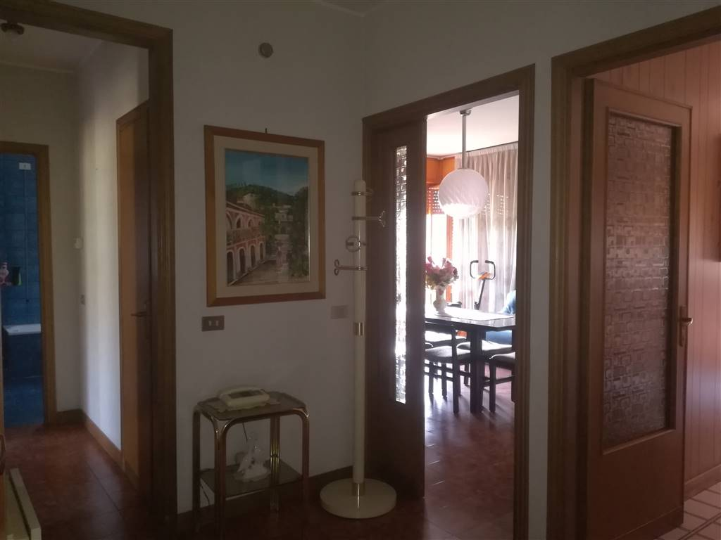 Appartamento in Via Iii Venezie 226/b, Semiperiferia Periferia, Terni
