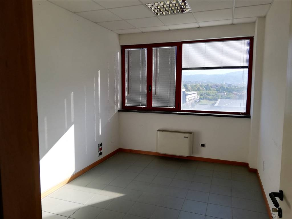 Ufficio, Semicentro, Terni, in ottime condizioni