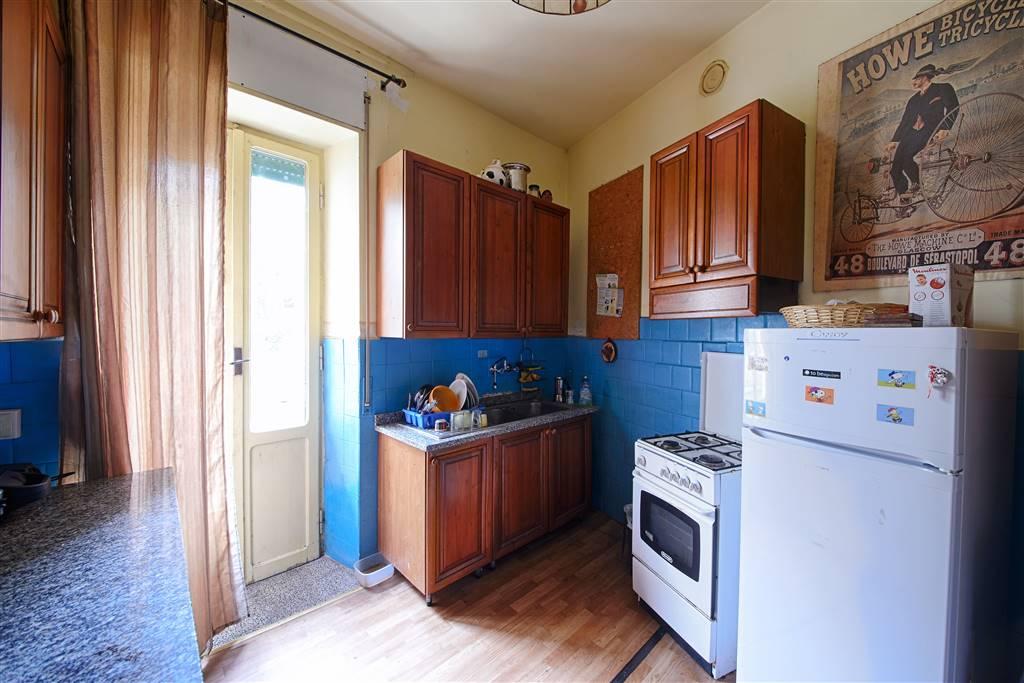 Appartamento in Via Monte Grappa  4, Viterbo