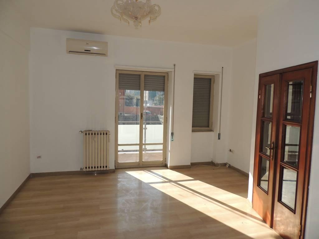 Appartamento in vendita a Terni, 6 locali, zona centro, prezzo € 80.000 | PortaleAgenzieImmobiliari.it