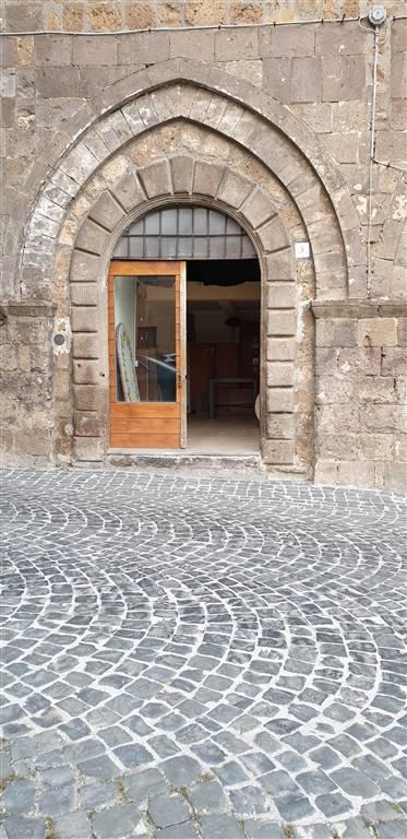 tuscania vende locale medioevale