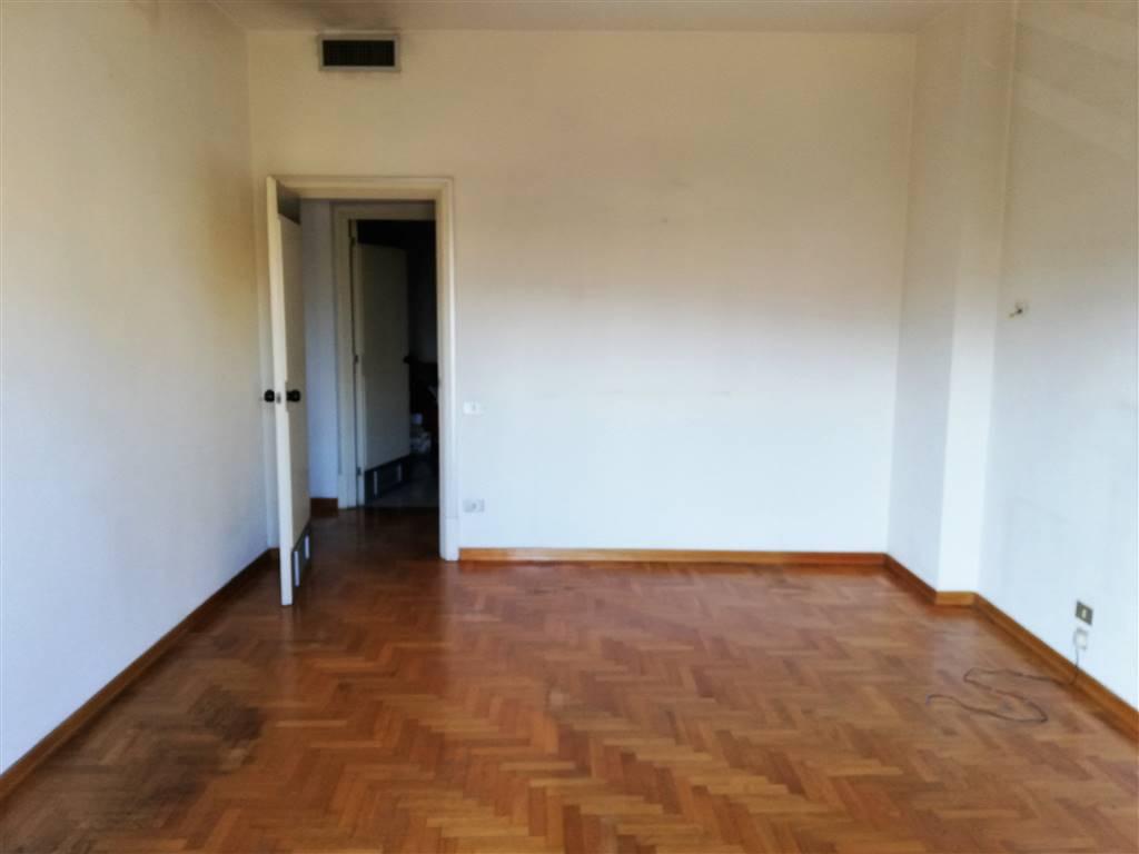 Appartamento in vendita a Terni, 5 locali, zona ro, prezzo € 150.000 | PortaleAgenzieImmobiliari.it