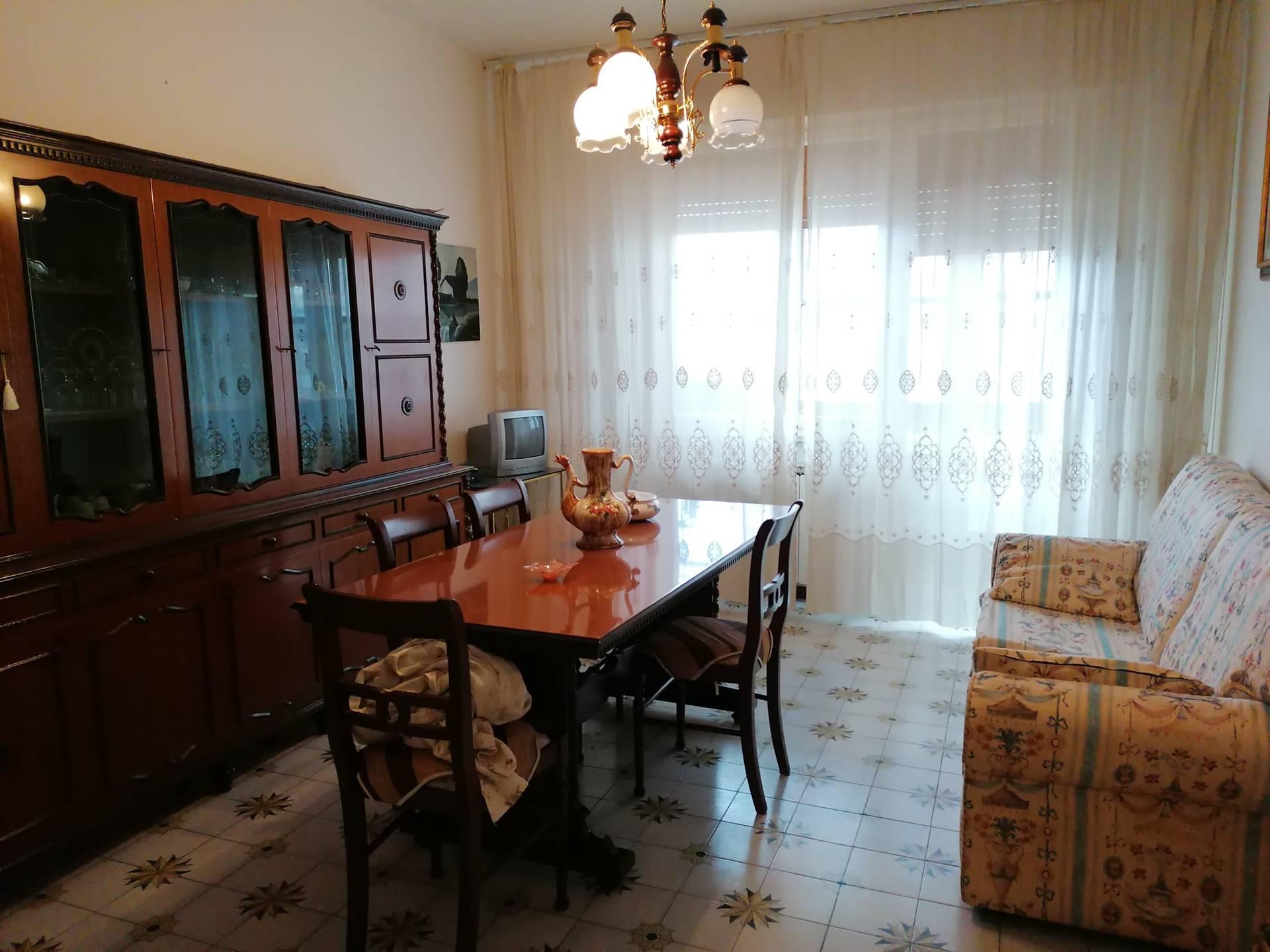 Appartamento in vendita a Terni, 4 locali, zona centro, prezzo € 75.000 | PortaleAgenzieImmobiliari.it
