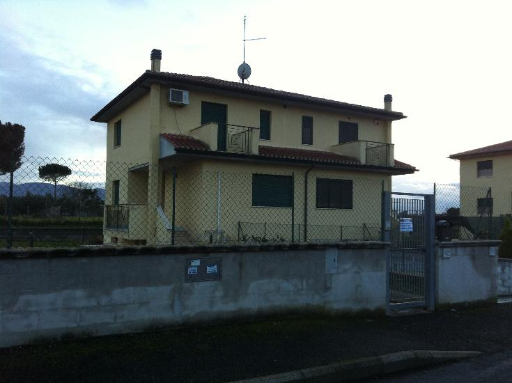 Bifamiliare in Via Torricella Sicura  92, Lunghezza, Roma