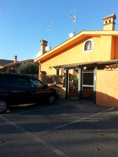 Villa a schiera in Via Casilina 1038, Laghetto, Montecompatri
