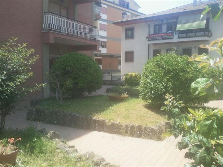 Trilocale in Via Marcantonio Colonna, Marino