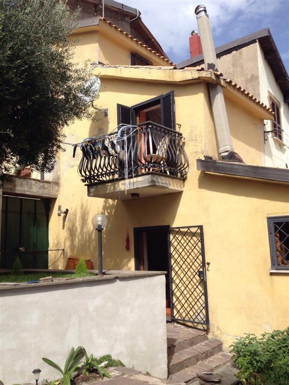 Bilocale in Via  Dell'archetto  42, Montecompatri