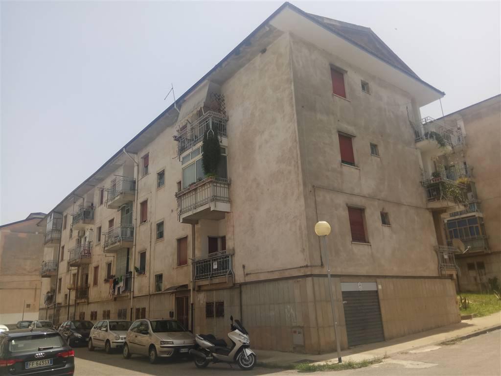 Quadrilocale in Via Milone 9, Cosenza