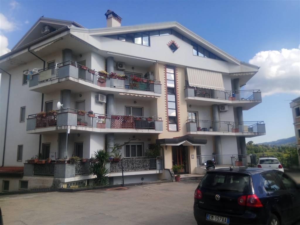 Appartamento in vendita a Zumpano, 5 locali, zona lla, prezzo € 74.900 | PortaleAgenzieImmobiliari.it