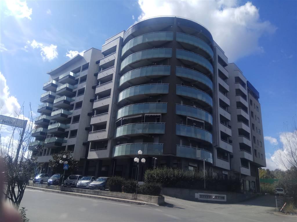 Appartamento in affitto a Rende, 4 locali, zona Zona: Roges, prezzo € 450   CambioCasa.it