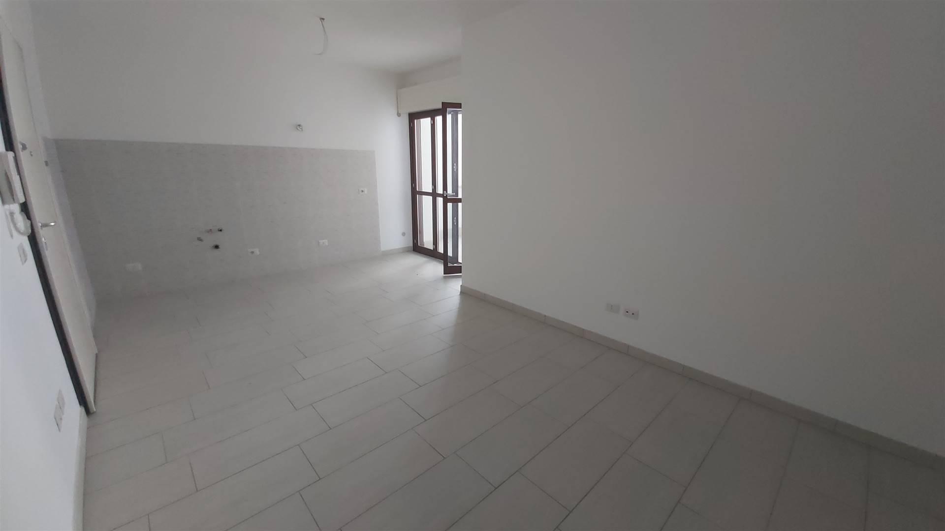 Appartamento in vendita a Latina, 3 locali, zona Zona: Latina Scalo, prezzo € 120.000 | CambioCasa.it