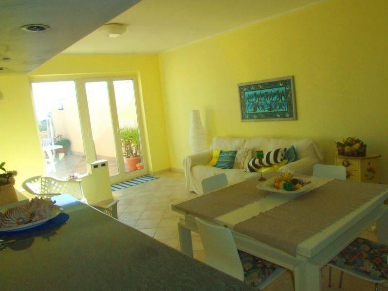 Appartamento in vendita a Latina, 4 locali, zona Zona: Foce verde, prezzo € 159.000 | CambioCasa.it