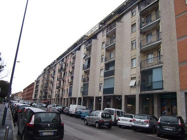 Garage / Posto auto in Riccardi  21, Greco, Monza, Palmanova, Milano
